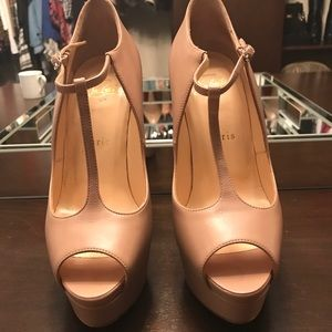 Christian Louboutins Nude Alta Poppins Heels